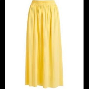 NWT Yellow pleated maxi skirt size L